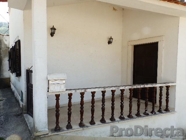 Large villa in excellent condition in the area of Góis