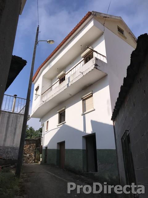 PD0421 - Casa Maria dos Anjos at Góis for 35000