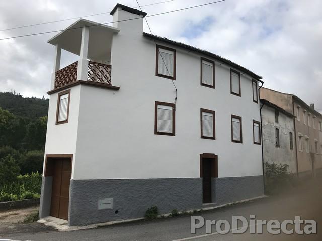 PD0422 - Casa Candosa at Arganil for 65000