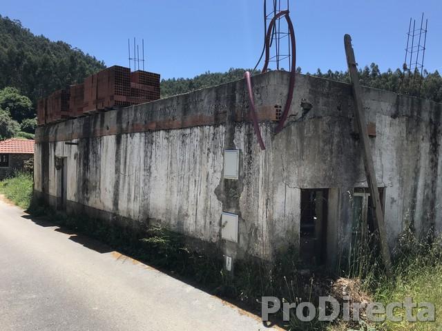 PD0412 - Casa Nespereira * PRICE REDUCED * at Góis for 18000